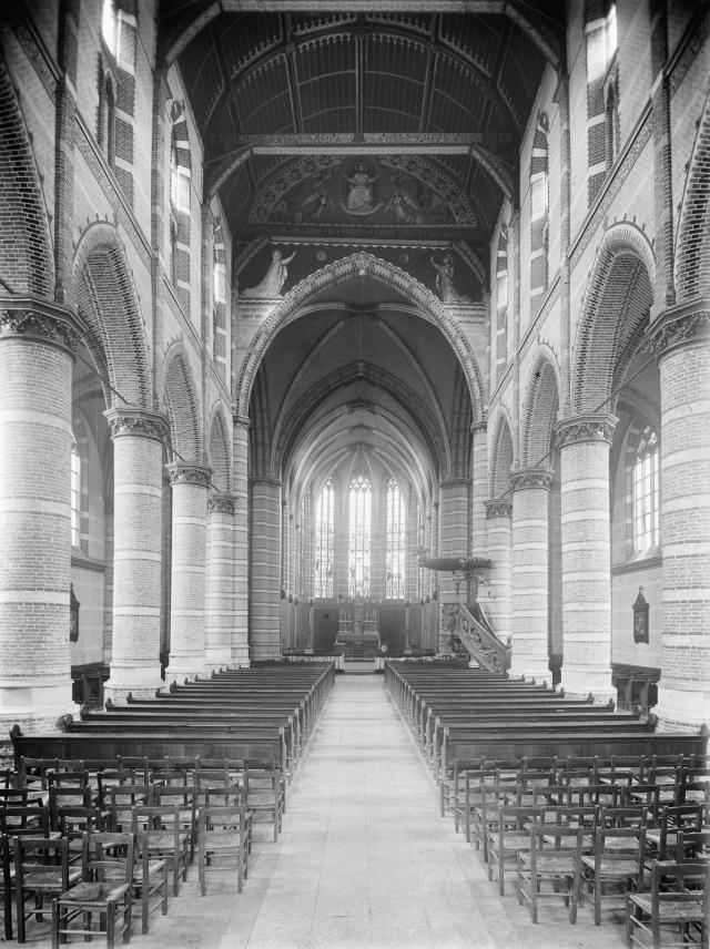 interieur-kerk-tot-1958.jpg